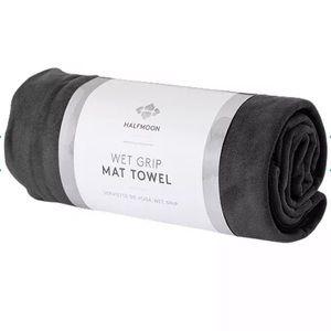 Wet Grip Mat Yoga Towel by Halfmoon